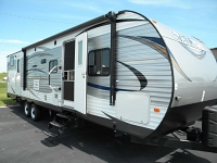 USED 2015 FOREST RIVER SALEM 32BHDS