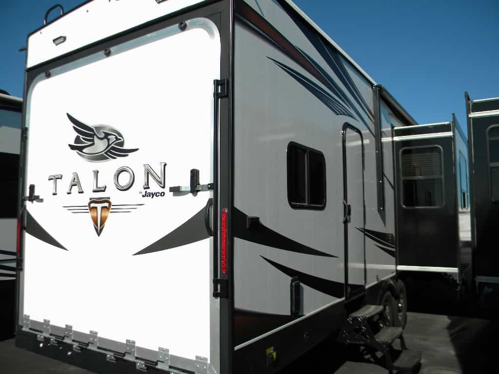 NEW 2018 JAYCO 8B 413T TALON