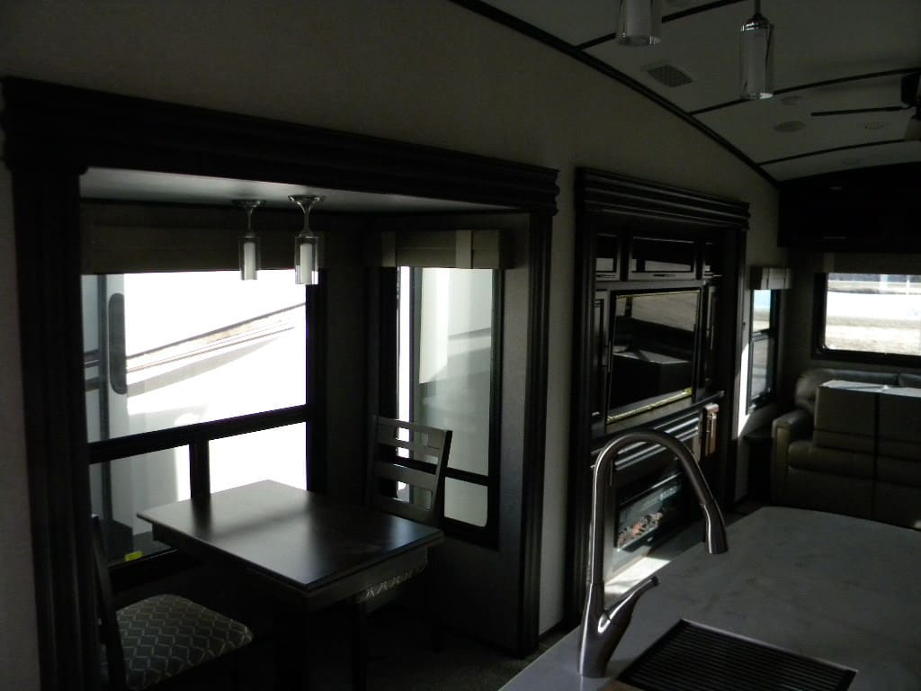 NEW 2018 JAYCO LH 361 RSFS NORTH POINT