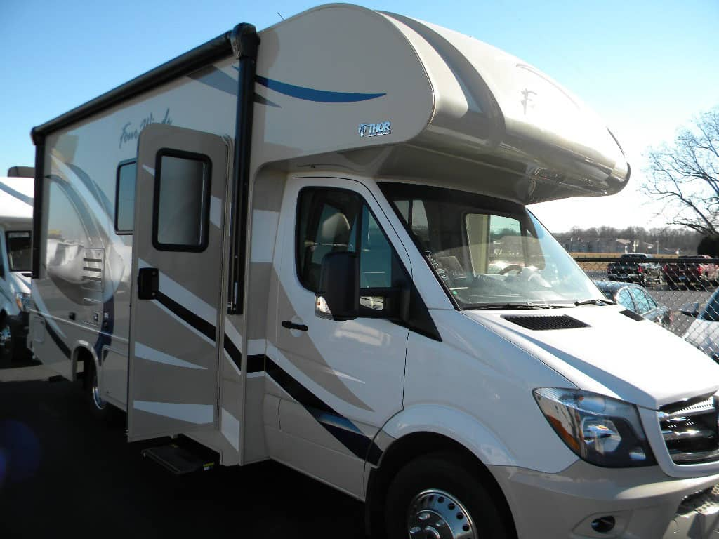 NEW 2018 THOR MOTOR COACH 24FS FOURWINDS