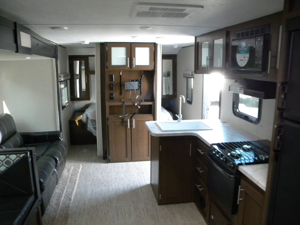 NEW 2018 FOREST RIVER 26 DBS TRACER BREEZE