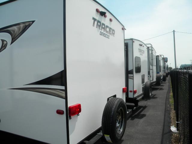 2019 FOREST RIVER TRACER BREEZE 26 DBS