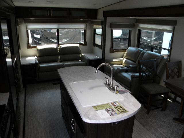 NEW 2018 FOREST RIVER CRUSADER LITE 29 RS